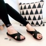 รองเท้าแฟชั่นสไตล์ลำลอง เรียบเก๋ แบบสวมไขว้ หนังนิ่ม ทรงสวยใส่รับกับฝ่าเท้า ใส่สบาย ใส่ง่าย ใส่ได้ทุกวัยทุกวัน ส้นพียูสูง 1.5 นิ้ว สีดำ น้ำเงิน