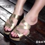 รองเท้าแฟชั่นลำลอง ส้นเตารีด หนังนิ่มแต่งสี 2-tone ดีไซน์ด้านหน้าสวยเก๋ ติดอะไหล่โลโก้ Lacoste สูง 3 นิ้ว สวยใส่สบาย ใส่ได้ไม่มีเอาท์