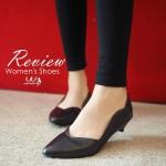 รองเท้าคัทชูสีดำ ส้นเตี้ย ทรงหัวแหลม หน้าคัต V ขอบหยัก สวยเก๋ ส้น แบบหมุด สวยได้ในแบบเรียบหรู ดูดี แมทได้ทุกชุด สูง 1.5 นิ้ว