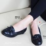 รองเท้าคัทชู สีดำ ส้นเตี้ย Leather Vintage หนังแท้นุ่ม ตกแต่งฉลุตัวหนัง เป็นลายดอกและแต่งโบว์ผูกด้านหน้า สวยคลาสสิค พื้นยางอ่อนนุ่ม สวมใส่ สบายและดีต่อสุขภาพเท้า รูปทรงและดีไซน์สุภาพ แมทได้ทุกชุดทุกโอกาส (6611)