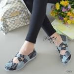 รองเท้ายางสาน เพื่อสุขภาพ ที่สุดของความนิ่มและใส่สบาย วัสดุผ้ายางผสมที่ ยืดหยุ่นดีมากๆ สานเป็นระเบียบสวยงาม ใส่สบาย เดินคล่องกระชับเท้าทุกย่าง ก้าว ใส่แล้วไม่เมื่อยเท้า ระบายอากาศดี สูง 1 เซน สีดำ เหลือง เทา (F733)