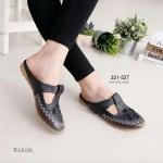 รองเท้าคัทชู เพื่อสุขภาพ เปิดส้นทรงสุภาพ หนัง PU นิ่ม งานปักลายผีเสื้อฝีเย็บ แน่นละเอียดตัดขอบน้ำตาล สายด้านหน้าแปะเมจิกเทปปรับกระชับได้ พื้นกันลื่น สูง 1.5 นิ้ว สีดำ ครีม น้ำตาล ชมพู ขาว