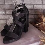 รองเท้าแฟชั่น ส้นสูง รัดข้อ สวยเก๋ หนัง PU อย่างดี สายรัดข้อไขว้หน้าเก๋ ดูเท้าเรียว ส้นตัน สูงประมาณ 2.5 นิ้ว ใส่สบาย แมทเก๋ได้ทุกชุด