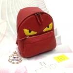 กระเป๋าเป้ Fendi Monster 10 นิ้ว สวยเหท์ ตัวกระเป๋าหนัง ปากกระเป๋าซิป มีช่องซิปหน้า ด้านในบุอย่างดี พร้อมการ์ดและถุงผ้า
