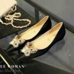 รองเท้าคัทชู ส้้นแบบ งานสไตล์ christian leboutin สวยหรูด้วยผ้าซาติน ทรง หัวแหลม ปักอะไหล่ผีเสื้อสีทอง งานหรูแมทได้ทุกชุด สีดำ ทอง เงิน