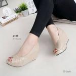 """รองเท้าคัทชู ส้นเตารีด ส้นโอ่ง สวยหรู หนัง pu แก้วเงาสวย เย็บลายชั้น เปิดนิ้วอวดเล็บงามๆ ใส่สวยได้ทุกโอกาส สูง 3"""" สีดำ ครีม น้ำตาล"""
