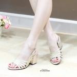 รองเท้าแฟชั่น ส้นสูง แบบสวม รัดส้น สวยเก๋ หนัง PU กลิตเตอร์วิ้งสวย ดูดี ทรงเก็บหน้าเท้า ส้นตันสูงประมาณ 2.5 นิ้ว เดินง่าย ใส่สบาย แมท สวยได้ทุกชุด