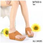 รองเท้าแฟชั่น ส้นเตารีด สไตล์ลำลองแบบหนีบ เรียบเก๋ หนัง PU อย่างดี ทรงสวย แต่งอะไหล่จรเข้ ส้นพิมพ์ลายไม้ สูงประมาณ 2.5 นิ้ว เสริมหน้า พื้นบุนุ่ม ใส่สบาย แมทได้ทุกชุด