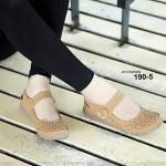 รองเท้าคัชชู พื้นนิ่ม วัสดุหนังชามัวร์ มาพร้อมพื้นยางกันลื่นอย่างดี แปะเมจิกเทป ใส่ง่ายถอดง่าย งานนุ่มมากๆ เพื่อคนรักสุขภาพ แบบเรียบเก๋ แมทได้ทุกชุด