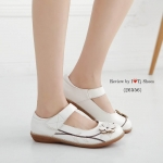 รองเท้าคัชชูเพื่อสุขถาพ ที่เห็นแล้ว Like เลย ทำจากหนังนิ้มนิ่ม สายเมจิกเทป ปรับได้ ประดับดอกไม้น่ารักๆ รุ่นนี้ส้นยางอย่างดี ทรงสวย ใส่สบาย ดูเกร๋ ของ จริงสวยมาก คุณภาพดี พื้นหนา 2 ซม.