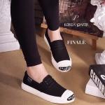 รองเท้าผ้าใบ Korae Style ผ้าใบเนื้อดี แต่งแถบตัวอักษรเกาหลี ด้านหน้า เก๋ๆ ใส่นิ่มสบายเท้า น่ารักไม่ซ้ำใคร สีดำ ขาว