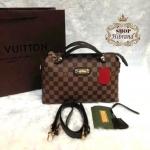 กระเป๋า Louis Vuitton 11 นิ้ว ปากกระเป๋าซิป ทรงหมอน งานสวยพรีเมียม ด้านในบุผ้าอย่างดี สายสะพายยาวถอดได้ การ์ดและถุงผ้า