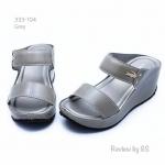 รองเท้าแฟชั่น ส้นเตารีด แบบสวม งานหนังพียู คาดหน้าสองระดับติดอะไหล่จรเข้ ส้นสูงเพียง 2 นิ้ว โทนสีเรียบ งานสวยมาก ใส่สบาย
