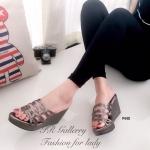 รองเท้าแฟชั่น ส้นเตารีด แบบสวม สวยเก๋ หนังสีเมทัลลิคดีไซน์หนังเส้นสานไขว้ ส้นเตารีดสูง 3 นิ้ว ใส่แล้วผิวเท้าขาวผ่อง ใส่สวยสบาย ได้ทุกวัน สีดำ น้ำตาล