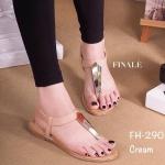 รองเท้าแตะแฟชั่น สวยเก๋ สไตล์ชิว รัดส้น วัสดุหนังพียู เนื้อนิ่ม พื้นสป็อง เนื้อดี ด้านหน้าแต่งอะไหล่สีทอง สวยมาก มีสายรัดส้น แบบยางยืด ใส่ง่าย ถอดง่าย ชิวมากๆ เสริมส้น 1 cm. สีดำ ครีม (FH290)