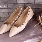 รองเท้าคัทชู ส้นแบน Flat VALENTINO Style Collection สุดฮิต วัสดุหนัง อย่างดี ดีไซน์แต่งดีเทลหมุดทองและพลอยสี ทรงสวยเก๋ตามสไตล์แบรนด์ ใส่สวยดูดี สาวๆ ควรมีไว้ครอบครอง งานเป๊ะชนช้อป