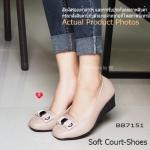 รองเท้าคัทชู ส้นเตารีด เรียบหรูดูดี Soft Court-Shoes เพื่อคนรักสุขภาพ งาน เย็บหนัง 2 ชั้น ส้นเตารีดแบบหนา 2 นิ้ว จาก PU อย่างดี ด้านหน้าบุนวมเย็บ ลายตารางแต่งอะไหล่เก๋ๆ วางบนโบว์ผ้า 2 ชั้น พื้นด้านในบุนวมเสริมฟองน้ำ เย็บแบบตาราง นุ่มถนอมผิวสัมผัสในทุกย่าง