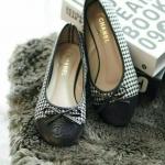 รองเท้าคัทชู สีดำ Style Chanal ผ้าลาย Chanal ทรงสวม ติดโบว์น่ารัก หนังนิ่ม สวมใส่สบาย แมทสวยได้ทุกชุด