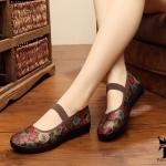 """รองเท้าคัชชู สไตล์ปักกิ่ง งานนำเข้า ลายดอกไม้สวยหวานดูดี พื้นนิ่มใส่ สบายเท้า แต่งสายคาดยางรัดกระชับเท้าเก๋ๆ น้ำหนักเบามากๆ ใส่ดี พื้น ทรงหยักกันลื่น หน้า 0.5"""" ส้น 1 """""""