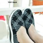 รองเท้ายางสานเพื่อสุขภาพ Elastic shoe สำหรับผู้ที่ชื่อชอบความเบา โปร่งโล่ง สบาย ไม่อับชื้น ต้องคู่นี้เลยจ้า วัสดุทำจาก Elastic เกรดคุณภาพ นุ่ม กระชับเท้า ดีมากไม่อึดอัด สีสันสดใส ผสมผสานระหว่างรองเท้าผ้าใบกับรองเท้าลำลอง ออก แบบมาให้รองรับเท้าได้อย่างดีเย