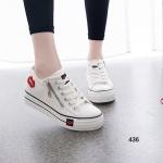รองเท้าผ้าใบแฟชั่น แพลตฟอร์ม เย็บแต่งลายปากด้านข้าง ทรงสวยฮิตสุดๆ วัสดุผ้าใบพื้นยาง สวมง่ายด้วยซิปด้านข้าง สูงหน้า 2.5 ซม. ส้นสูง 5 ซม.