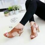 """รองเท้าแฟชั่น ส้นสูง รัดส้น สวยปราดเปรียว สไตล์ปราด้าที่สาวๆชื่นชอบ ทรงสวย หนัง pu รัดส้นตะขอเกี่ยว ปรับได้ค่ะ พื้นแข็งแรง สูง 2.5"""" แมท เก๋ได้ทุกชุด"""