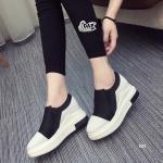 รองเท้าผ้าใบ สไตล์เกาหลีสุดชิค วัสดุตัดเย็บด้วย Polyester ผสมกับหนัง PU อย่างดี ดีไซน์โดดเด่นด้วยรูปทรงเพรียวกระชับ และน้ำหนักเบา ดีเทลเก๋ไม่ต้อง ผูกเชือกรองเท้า ใส่แล้วดูสูงเพรียวด้วยการเสริมส้น สูงหน้า 2.5 ซม. ส้นสูง 6 ซม. แมทเก๋ได้ทุกสไตล์ สีดำ แดง