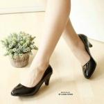 รองเท้าคัทชู ส้นเตี้ย เรียบเก๋ หนัง PU เงาสวย ทรงหัวแหลมดูเท้าเรียว ส้นสูงประมาณ 2 นิ้ว กำลังดี ใส่สบาย แมทสวยได้ทุกชุด