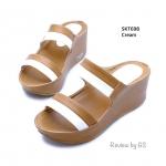 รองเท้าแฟชั่น ส้นเตารีด สไตล์ลำลอง งานสวมสีทูโทนสวยเก๋ หนังพียูคาดหน้า สองระดับ เพิ่มความกระชับ ส้นสูง 2.5 นิ้วเล่น สวมใส่สบายมาก ใส่เที่ยว ใส่เดิน ได้ทุกวัน