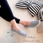 รองเท้าผ้าใบเพืื่อสุขภาพ ยางสาน แฟชั่นสปอร์ตคอมฟอร์ท วัสดุผ้ายืดสังเคราะห์ ผสมผ้าวิ้งๆ สวยเท่ห์ แบบสวม พื้นยางยืดหยุ่นหนา 1 นิ้ว พื้นในนุ่มใส่สบายเท้า ดีไซน์เก๋ แมทซ์กับเสื้อผ้าได้หลายรูปแบบ เหมาะกับวันสบายๆ เดินทางท่องเที่ยว
