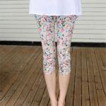 กางเกงคนท้อง4 ส่วน สีครีมลายดอกไม้สีสดใส
