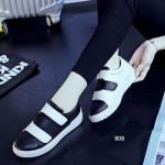 รองเท้าผ้าใบแฟชั่น แบบลำลอง ดีไซน์สวยเก๋ สีสันสดใสโมเดริน์สุดๆ ไม่ต้อง ผูกเชือกรองเท้า พร้อมเมจิกเทปเปิดปิด สวมใส่ง่ายนุ่มเบาสบายเท้า สวยมากๆ สูงหน้า 2.5 ซม. ส้นสูง 4 ซม.