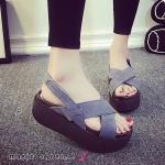 รองเท้าแฟชั่น สไตล์ Marie claire งานนำเข้า 100 % เรียบหรูด้วยหน้งแบบชามัวร์ ด้านหน้าไขว้ ใส่แล้วดูเท้าเรียว สายรัดข้อปรับได้ สวมง่ายใส่สบาย นิ่มกระชับเท้า สูง 2.5 นิ้ว พื้นบุนุ่ม น้ำหนักเบา แมทได้ทุกแนว สวยเก๋ทุกชุด
