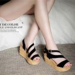 รองเท้าแฟชั่น ดีไซน์คาดหน้าเฉียง ใส่สวยดูเท้าเรียว เก๋ไม่เหมือนใคร ใส่ได้กับทุกชุดทุกโอกาส ส้นตึกเสริมหน้าใส่สบาย