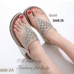 รองเท้าแตะแฟชั่น Style Fitflop แบบคีบ รัดส้น สวยหรู ติดอะไหล่คริสตัลวิบวับ แบบมีลวดลาย สายรัดส้นยางกระชับเท้า พื้นซอฟคอมฟอต นิ่มใส่สบาย ส้นหนา 1.5 นิ้ว ใส่สวยแถมรักษาสุขภาพเท้า สีดำ ทอง