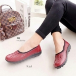 รองเท้าคัทชู เพื่อสุขภาพ เรียบเก๋ หนังนิ่มฉลุลาย เกรดคุณภาพ พื้นนวมนิ่มใส่สบาย ขอบยางยืด พื้นยางพร้อมปุ่มกันลื่น สูง 1 นิ้ว สีดำ น้ำตาล เหลือง แดง