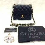 กระเป๋า Chanel Classic Mini 7 นิ้ว เย็บตารางนูนสวย แต่งโลโก้ CC ด้านในบุอย่างดี สายสะพายโซ่ พร้อมการ์ดและถุงผ้า