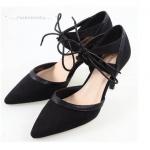 รองเท้าคัทชู LUXURY CASUAL SHOES หรูหรามีระดับส้นสูงงานไฮคลาส ดีไซน์ ทรงปลายเรียวเปิดด้านข้าง วัสดุคุณภาพ High Quality หนังกำมะหยี่แน่นฟูหนา เกรด AAA เนื้อดีขึ้นทรงสวย กุ๊นขอบด้วยหนังแมทเนียนละเอียด แต่งสายรัดข้อ ผูกเชือกร้อยแบบเก๋ พื้นด้านในรองฟองน้ำช่วย