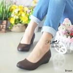 รองเท้าคัทชู ส้นเตี้ย เรียบเก๋ สีพื้น โทนสีสุภาพ วัสดุพียูเนื้อนิ่ม ด้านในบุอย่างดี นิ่มใส่สบายเท้ามาก ความสูงกำลังดี 1.5 นิ้ว ไม่เมื้อยเท้า ใส่ได้หลากหลายโอกาส สีน้ำตาล น้ำเงิน