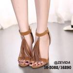 รองเท้าส้นสูง สไตล์เกาหลี สวยปราดเปรียว งานฮิตมากๆ ผ้ากำมะหยี่สวยหรู ด้านหน้าคาดหนึ่งระดับ ซิปหลังใส่ง่าย รัดข้อเท้าเพิ่มความกระชับ โดดเด่นที่ แต่งอะไหล่พู่สวยเก๋มากๆ ส้นเข็มสูง 4.5 นิ้ว ใส่แล้วเท้าสวยเรียวดูดี สีดำ แดง น้ำตาล ครีม