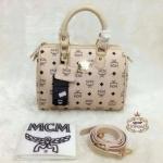 กระเป๋า MCM 10 นิ้ว ทรงหมอนสวยน่ารัก พรีเมียม หนังลายโลโก้ ด้านในบุอย่างดี พร้อมสายยาวถอดได้ การ์ดและถุงผ้า