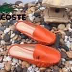 รองเท้าแฟชั่น ทรง loafer เปิดส้น สไตล์ Lacoste วัสดุหนังพียูนิ่มเนื้อเนียน แต่งโลโก้จรเข้สีทอง พื้นบุนิ่ม เรียบหรู ใส่สบาย