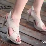 รองเท้าส้นสูง กำมะหยี่นิ่ม ดีไซน์ด้านหน้าแบบสายไขว้ สวยปราดเปรียว สายรัดด้านหลังยางยืด สูง 3.5 นิ้ว เสริมหน้า 1 นิ้ว น้ำหนักเบา ใส่ง่าย แมทกับชุดไหนก็เริ่ด