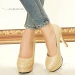 """รองเท้าคัชชูส้นสูง LUXURIOUS HIGH HEELS วัสดุ pu บุผ้าซาตินผสมกากเพชร เนื้อเนียนละเอียดระยิบระยับ ช่วยขับผิวเท้าให้ดูเนียนใสผ่องมีออร่า ส้นสูง 4"""" ทรง สโลป เสริมแพลทฟอร์มหน้า 1"""" คัตติ้เนี๊ยบ ใส่แล้วขาดูเรียวยาวเซ็กซี่มากกก งาน สวย วัสดุคุณภาพดี ส"""