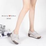 รองเท้าคัทชู เพื่อสุขภาพ ทรงแฟลมฟอร์มสวยเก๋ แต่งโบว์หน้า หนังกลับอย่าง ดีนิ่มมาก มีรูระบายอากาศ ทำให้ไม่อับเท้า ส้นยางอย่างดี ใส่นิ่มเดินสบาย ส้น หนา 2 นิ้ว สีเทา ชมพู ส้ม (8152)