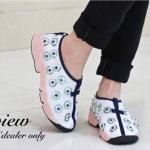 รองเท้าผ้าใบ สไตล์ dior สวยหรู งานสวย ใส่สบายนิ่มมาก สินค้าจริงเหมือน ตามภาพ สีขาวสวยแมตชุดได้เยอะ สูง 1 นิ้ว (1853)