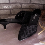 รองเท้าคัทชู ส้นสูง เปิดส้น สวยหรู ลายลูกไม้ฉลุ ตัดหน้าวี ดูเท้าเรียว ส้นสูงประมาณ 2 นิ้ว เดินง่าย ใส่สบาย แมทสวยได้ทกชุด