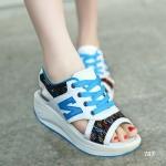 รองเท้าผ้าใบแฟชั่น แบบสวม ดีไซน์สวยเก๋สไตล์เปิดหน้าเท้า เสริมลุคด้วย ส้นรองเท้าแบบรัดส้นด้านหลัง ตัดเย็บด้วยหนัง PU อย่างดี สีสันสดใส พื้น ยางน้ำหนักเบาเป็นพิเศษ สวมใส่สบายมากๆ สูงหน้า 3 ซม. ส้นสูง 4.5 ซม. (787)