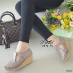 รองเท้าคัทชู ส้นเตารีด วัสดุ PU ลายฉลุ ปักด้ายสวยคลาสสิค ส้นรองเท้าเป็น พื้นยางกันลื่น ความสูงกำลังดี 2 นิ้ว ไม่เมื่อยเท้า ด้านหน้ามีสายคาดเมจิกเทป ปรับระดับเพื่อเพิ่มความกระชับเท้า น่ารักดูดี แมทได้ทุกชุด สีแทน ชมพู ครีม ดำ กากี
