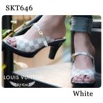 รองเท้าแฟชั่น ส้นสูง LV Style หนังนิ่มลาย Damier ตามงานแบรนด์ มาพร้อมสายหนังเข็มขัดคาด ส้นน้ำหนักเบา สูง 3 นิ้ว